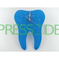 Часы в форме зуба, материал акрил, голубые
